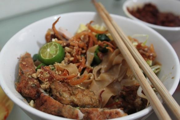 9 noodles w pork meatballs to show noodles