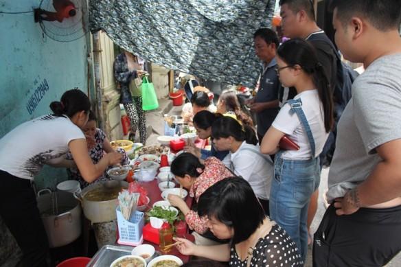 hanoi eating everywhere