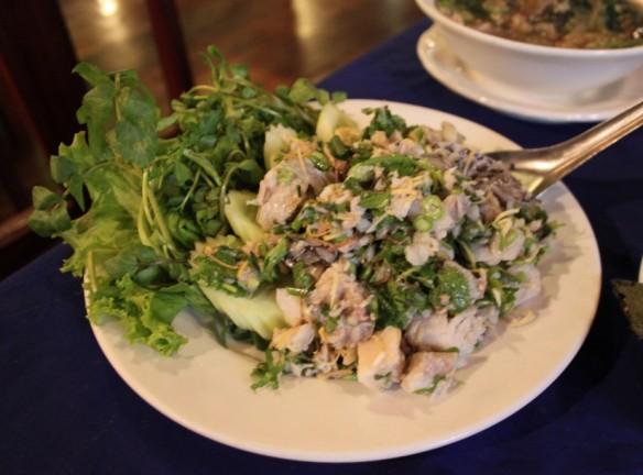 laap de pescado y verdura amargas