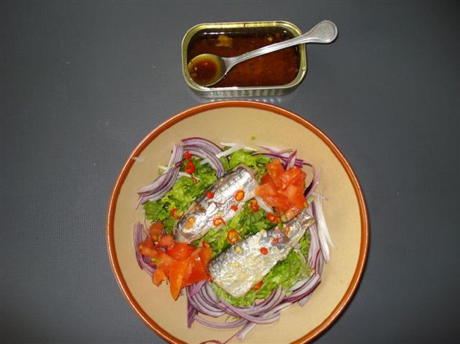 sardinas-con-lata.jpg
